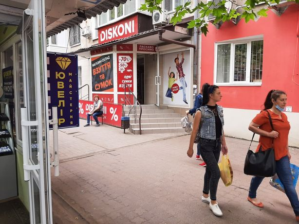 Сдам нежилое помещение на Днепровском рынке S= 106 м2