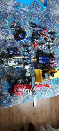 Zestaw zabawek i pojazdy