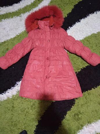 Продам зимову куртку,пальто
