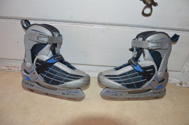 Łyżwy hokejowe Tecno Pro, rozmiar regulowany 32-35.