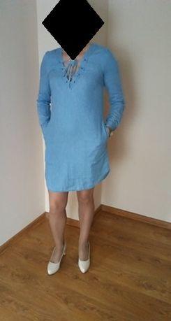 Niebieska krótka sukienka jeans