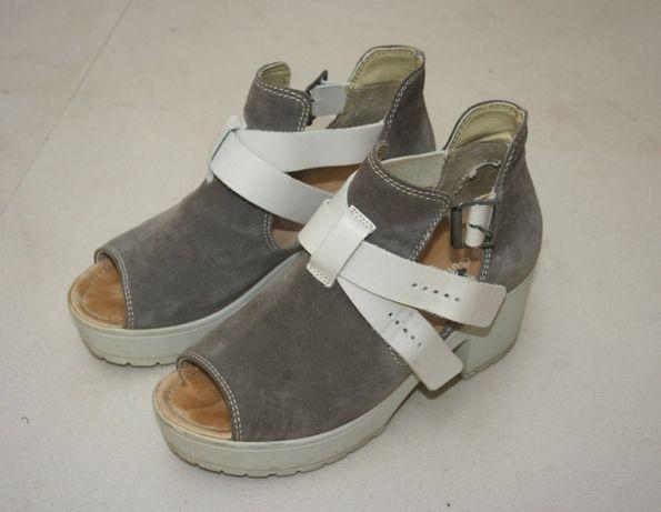 Sapatos de salto Calçado Guimarães