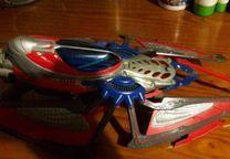Nave espacial do Homem Aranha com boneco e dispara lanças