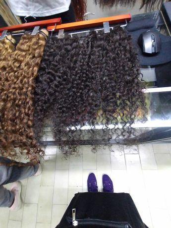 Faço todo o tipo de trança de cabelo afro e coloco cabelos brasileiro
