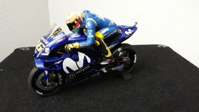 Motor motocykl yamaha moto gp Rossi Minichamps 1 /12