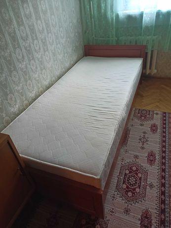 Solidny tapczan łóżko ze skrzynią
