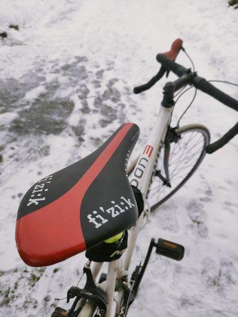 Rower szosowy kolażówka B'Twin Triban + nowe zabezpieczenie
