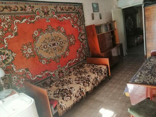 продається 2х кімнатна квартира