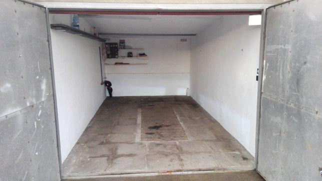 Garaż murowany w Nowym Czarnowie