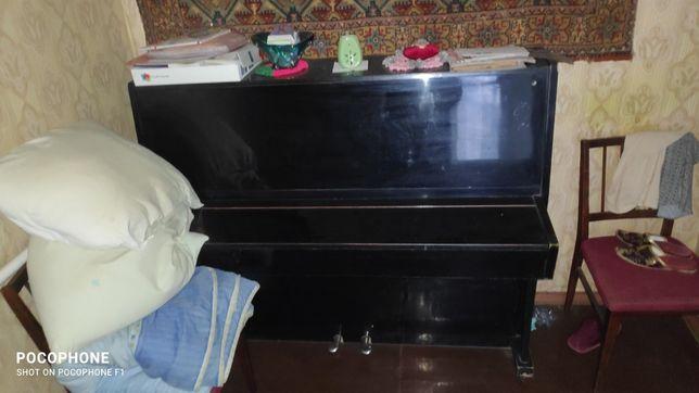 Продам пианино за символическую сумму