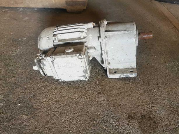 Motoreduktor silnik  0.11kW z hamulcem Eberhard Bauer
