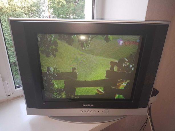 Продам б/у телевізор Samsung 54 см (21 дюйм) в дуже хорошому стані...