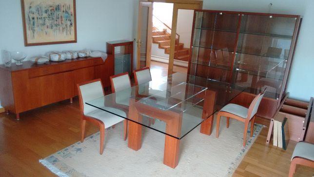 Mesa e Cadeiras - Conjunto de Sala de Jantar