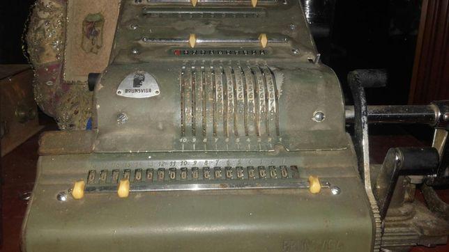 Antiga calculadora