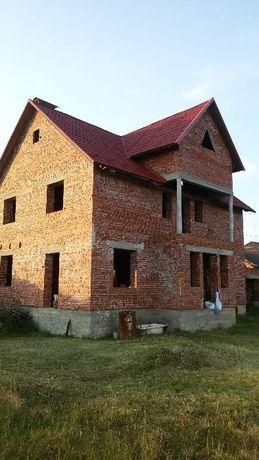 Продам ТЕРМІНОВО цегляний будинок близько до центру Ужгорода