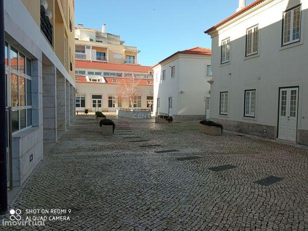 Loja, 157 m², Alcabideche