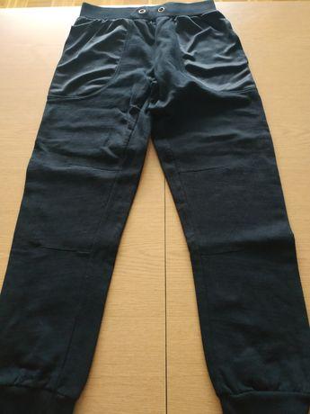 Spodnie dresowe lekko ocieplane