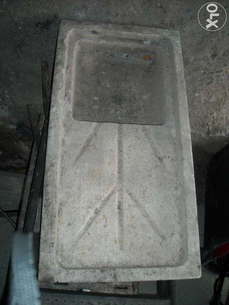 Lava loiça em pedra antiga