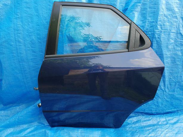 Honda Civic viii ufo 8 drzwi tyl lewy tylne lewe igła B536P