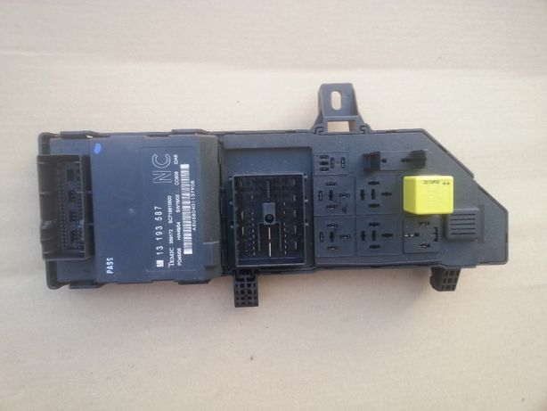 moduł BSI 1322.3679 JB skrzynka bezpieczników opel vectra c signum