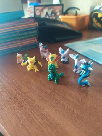 Фигурки покемонов