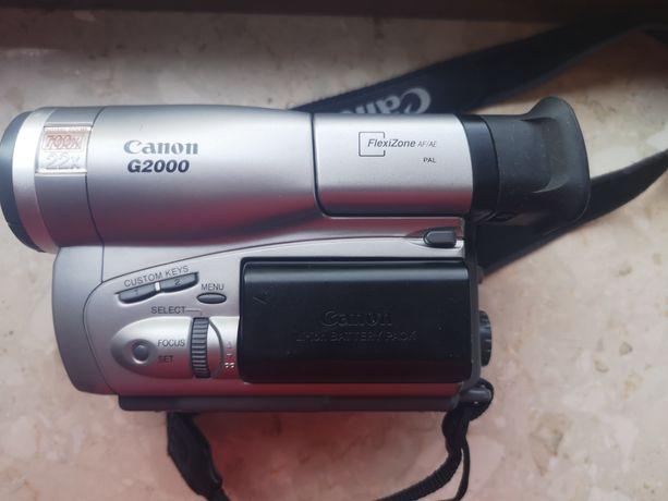 Kamera canon G2000