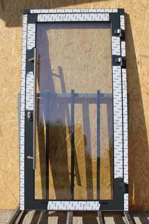 Drzwi 110X210 aluminiowe