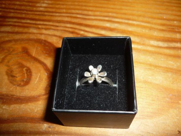 Anel prata de Lei da Stone medida 12 forma flor