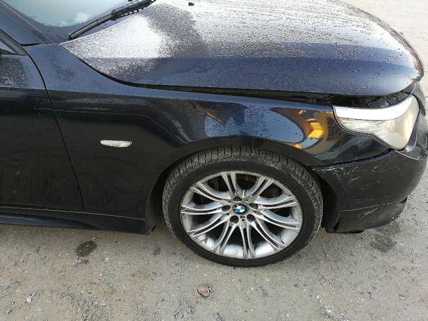 BMW e60 Błotnik prawy Carbonschwarz