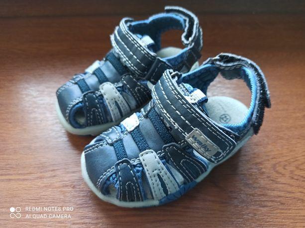 Sandałki dla chłopca rozmiar 21 jak NOWE