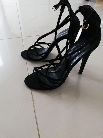 Sandały szpilka czarne rozm 39