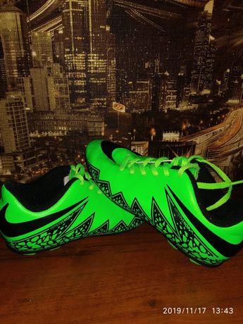 Фирменные копы Nike!Оригинал.33 размер, стелька 20, 5см.