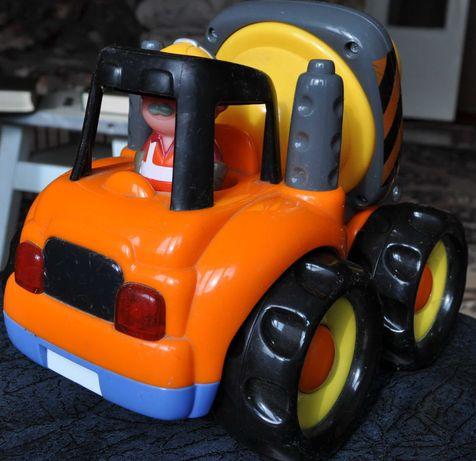 Бетономешалка и Трактор