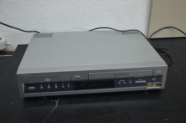 Combo DVD Player / video marki SONY model SLV-D900 USZKODZONE