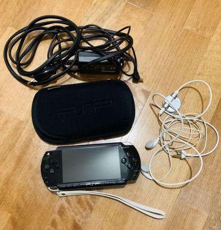 Playstation portátil com todos os acessorios originais