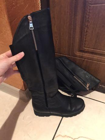 Жіночі чоботи та черевички