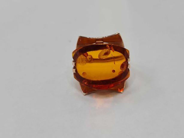 Piękny złoty pierścionek/ Radzieckie 583/ Bursztyn/ 5.95 gram/ R12.5