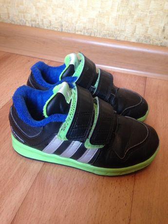 Фирменные кроссовки, стелька 16 см