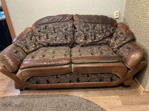Дубовый диван и два кресла кожа и гобелен