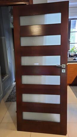Drzwi drewniane lewe z ościeżnicą