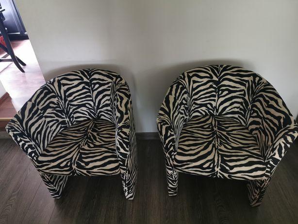 Fotel w zebrę do pokoju