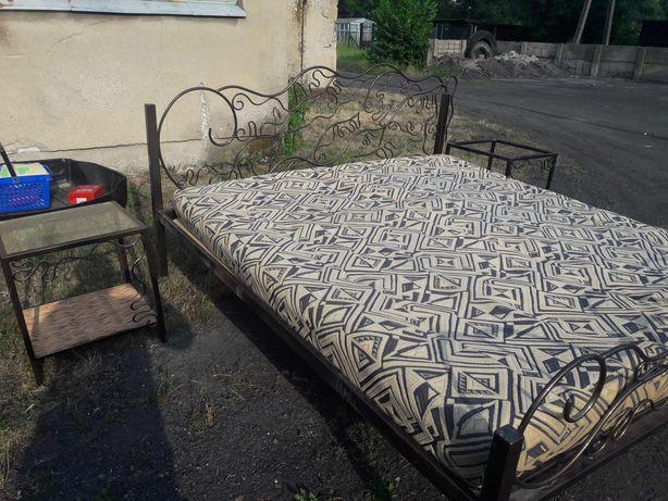 Łóżko sypialniane + materac + 2 stoliki