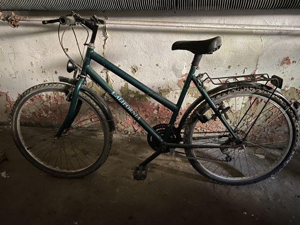 Rower zielony z bagażnikiem