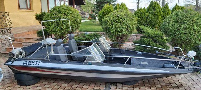 Bass Лодка Stratos XL + лафет