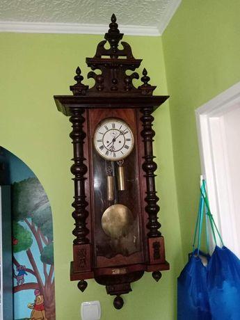 Zegar wiszący dwuwagowy