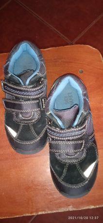Кросівки недорого
