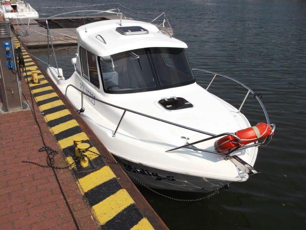 Łódz kabinowa motorowa,Yacht.