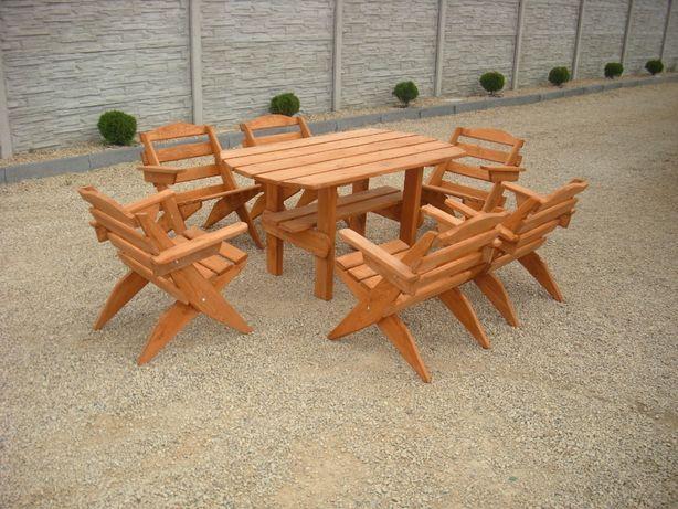 Meble ogrodowe składane. Krzesła stolik