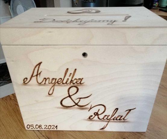 Drewniana ślubna skrzynka na koperty