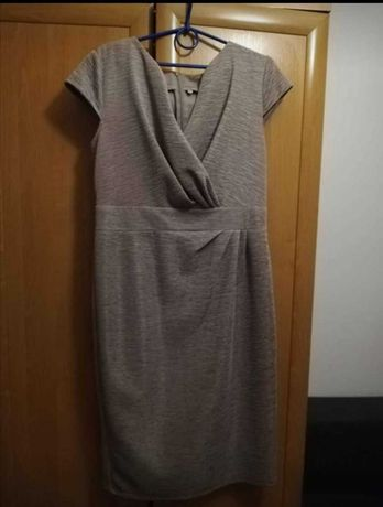 Sukienka w kolorze stalowym rozmiar 42